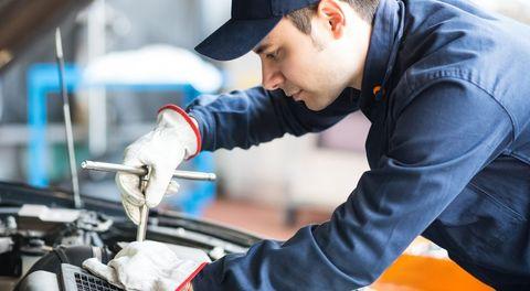 Auto mechanic, Mechanic, Workwear, Automobile repair shop, Automotive window part, Engineering, Panel beater, Blue-collar worker,