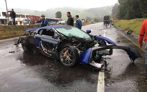 Land vehicle, Vehicle, Crash, Car, Supercar, Collision, Lamborghini, Lamborghini aventador, Sports car, Event,