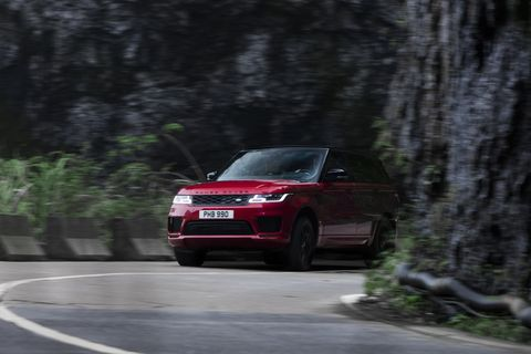 Land vehicle, Vehicle, Car, Regularity rally, Range rover, Sport utility vehicle, Range rover evoque, Land rover, Automotive design, Compact sport utility vehicle,
