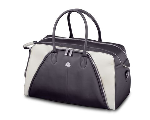 Handbag, Bag, White, Product, Hand luggage, Fashion accessory, Beauty, Leather, Luggage and bags, Material property,