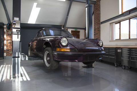 Land vehicle, Vehicle, Car, Motor vehicle, Regularity rally, Porsche 911 classic, Porsche 912, Coupé, Automobile repair shop, Automotive design,