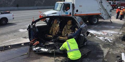Motor vehicle, Crash, Vehicle, Collision, Car, Mode of transport, Emergency, Event, Minibus, Emergency vehicle,