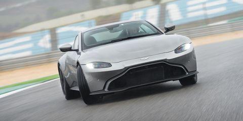 Aston Martin Vantage - en circuito
