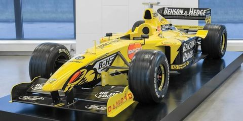 Land vehicle, Formula one car, Vehicle, Race car, Formula libre, Open-wheel car, Formula one tyres, Formula one, Formula racing, Automotive tire,