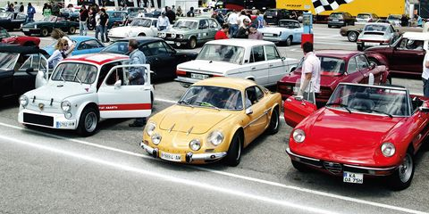 Land vehicle, Vehicle, Car, Coupé, Classic car, City car, Sedan, Classic, Sports car, Antique car,