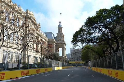 Landmark, Tree, Architecture, Thoroughfare, Building, City, Sky, Road, Tourism, Metropolitan area,