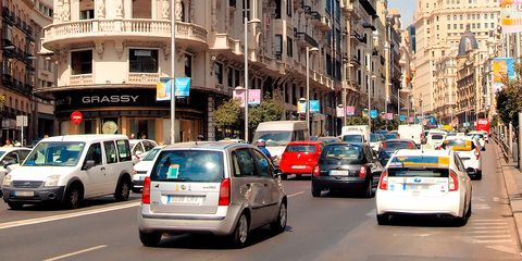 Land vehicle, Vehicle, Car, Transport, Mode of transport, Traffic, Street, City car, Urban area, Metropolitan area,