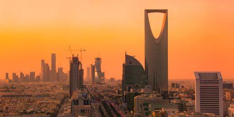 Metropolitan area, Cityscape, Skyscraper, City, Metropolis, Urban area, Skyline, Tower block, Sky, Landmark,