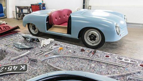 Land vehicle, Vehicle, Car, Classic car, Classic, Antique car, Porsche 356, Automotive design, Coupé, Convertible,