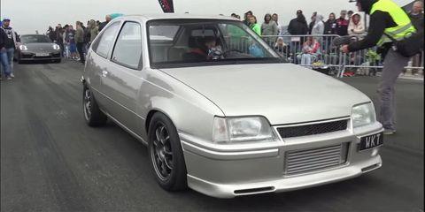 Land vehicle, Vehicle, Car, Sedan, Rim, Chevrolet, Hatchback, Chevrolet kadett, Coupé, Vauxhall cavalier,