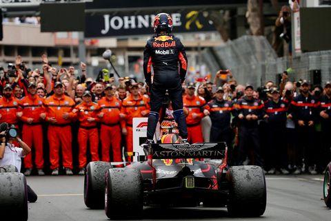 Formula one, Formula one tyres, Race track, Motorsport, Formula one car, Pit stop, Race car, Vehicle, Open-wheel car, Team,