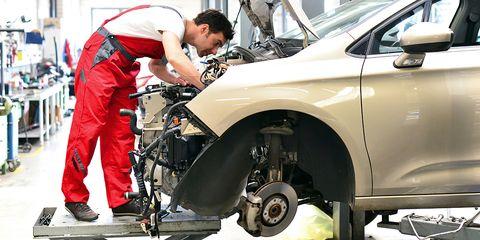 Motor vehicle, Tire, Automotive tire, Vehicle, Car, Vehicle door, Auto mechanic, Automotive design, Automotive wheel system, Automobile repair shop,