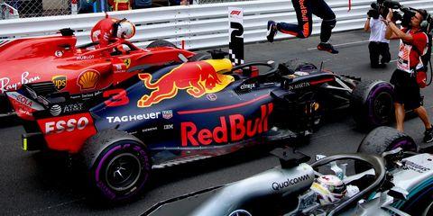 Vehicle, Race car, Sports, Formula one, Formula one car, Motorsport, Formula libre, Open-wheel car, Formula one tyres, Race track,