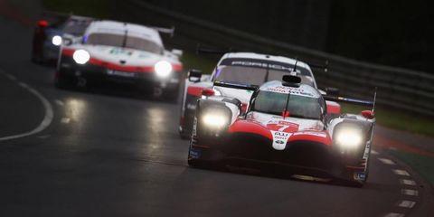 Land vehicle, Vehicle, Car, Sports car, Race car, Sports car racing, Motorsport, Racing, Sports prototype, Auto racing,