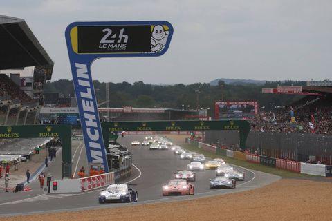 Race track, Sport venue, Vehicle, Endurance racing (motorsport), Racing, Motorsport, Auto racing, Sports car racing, Road, Car,