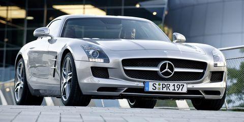 Mode of transport, Automotive design, Vehicle, Land vehicle, Transport, Grille, Car, Automotive exterior, Automotive tire, Hood,