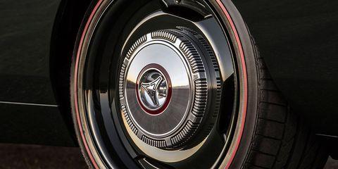 Tire, Motor vehicle, Wheel, Automotive tire, Auto part, Vehicle, Automotive wheel system, Car, Alloy wheel, Tire care,