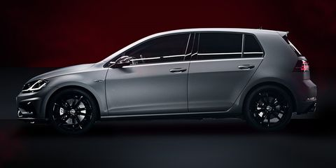 Land vehicle, Vehicle, Car, Alloy wheel, Automotive design, Mid-size car, Hatchback, Volkswagen, Volkswagen golf, Rim,