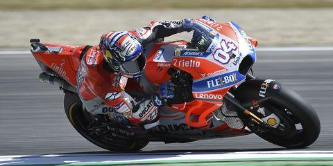 Grand prix motorcycle racing, Sports, Racing, Superbike racing, Motorsport, Motorcycle racer, Road racing, Motorcycle, Motorcycling, Motorcycle racing,