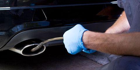 Automotive exterior, Bumper, Arm, Vehicle door, Hand, Auto part, Joint, Leg, Finger, Pipe,