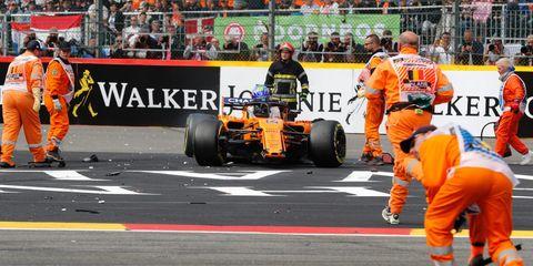 Sports, Motorsport, Formula one, Race track, Formula one tyres, Formula libre, Formula one car, Automotive tire, Sport venue, Pit stop,