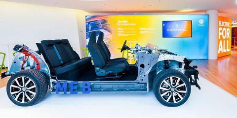 Land vehicle, Vehicle, Car, Vintage car, Automotive design, Classic car, Antique car, Custom car,