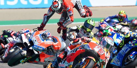 Sports, Grand prix motorcycle racing, Motorcycle racer, Superbike racing, Race track, Road racing, Motorsport, Motorcycle racing, Motorcycling, Racing,