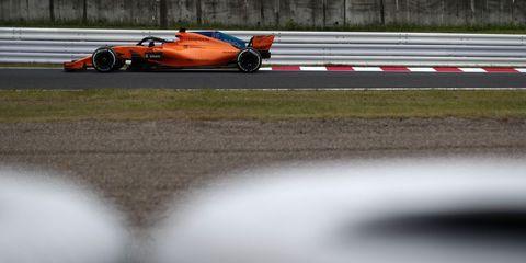 Automotive tire, Race track, Motorsport, Plain, Asphalt, Racing, Race car, Formula one, Auto racing, Formula racing,