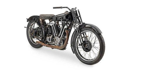 Land vehicle, Vehicle, Motor vehicle, Spoke, Motorcycle, Tire, Automotive tire, Auto part, Rim, Car,