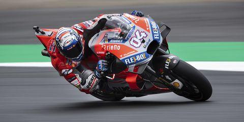 Grand prix motorcycle racing, Sports, Superbike racing, Motorsport, Motorcycle racer, Motorcycle, Road racing, Racing, Race track, Motorcycle racing,