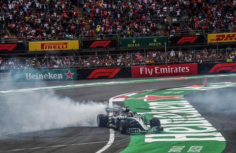 Sports, Motorsport, Vehicle, Race of champions, Formula one, Racing, Auto racing, Race track, Automotive tire, Race car,