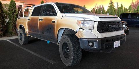 Land vehicle, Vehicle, Car, Tire, Automotive tire, Pickup truck, Motor vehicle, Bumper, Toyota, Truck,