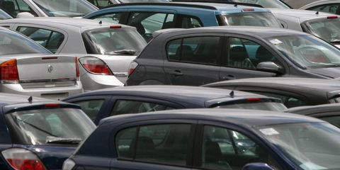 land vehicle, vehicle, car, motor vehicle, parking, traffic, transport, traffic congestion, mode of transport, public space,