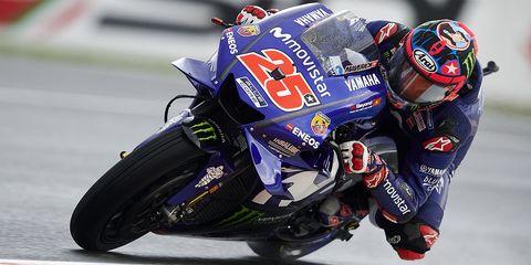 Motorcycle racer, Superbike racing, Grand prix motorcycle racing, Road racing, Motorcycle, Motorsport, Motorcycle fairing, Vehicle, Motorcycle racing, Racing,