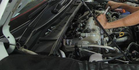 Motor vehicle, Engine, Vehicle, Auto part, Hood, Car, Automotive design, Automotive engine part, Automotive exterior, Windshield,