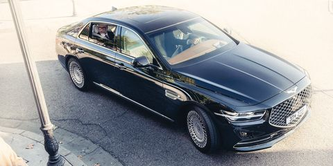 Land vehicle, Vehicle, Car, Luxury vehicle, Automotive design, Personal luxury car, Sedan, Automotive exterior, Grille, Wheel,