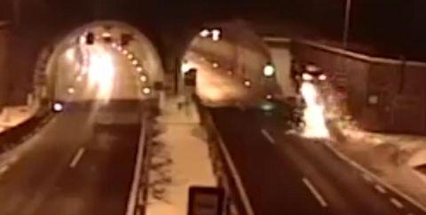 Escalator, Tunnel, Mode of transport, Transport, Architecture, Infrastructure, Metro station, Road, Subway, Metro,