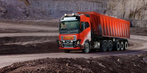 Land vehicle, Vehicle, Transport, Mode of transport, Truck, Commercial vehicle, Car, Freight transport, Asphalt, Automotive wheel system,