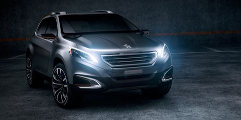 Automotive design, Mode of transport, Product, Vehicle, Automotive lighting, Grille, Headlamp, Rim, Car, Automotive tire,
