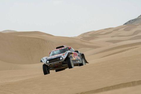 Land vehicle, Vehicle, Desert, Natural environment, Car, Desert racing, Sand, Regularity rally, Rally raid, Aeolian landform,