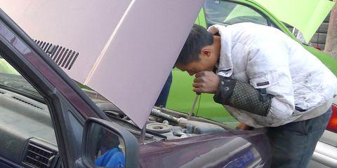 Vehicle door, Motor vehicle, Panel beater, Vehicle, Windshield, Glass, Auto mechanic, Auto part, Automotive window part, Mechanic,