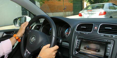 Land vehicle, Vehicle, Car, Steering wheel, Volkswagen, Volkswagen golf, Driving, Steering part, Technology, Volkswagen golf mk6,