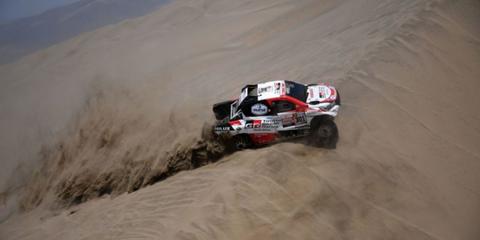Land vehicle, Vehicle, Off-road racing, Sand, Desert racing, Off-roading, Motorsport, Rally raid, Racing, Off-road vehicle,
