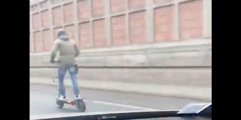 Kick scooter, Mode of transport, Skateboard, Skateboarding Equipment, Snapshot, Vehicle, Asphalt, Recreation, Longboard, Boardsport,