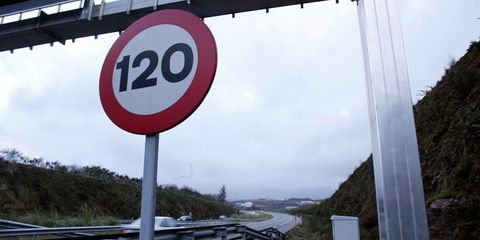 Infrastructure, Sign, Signage, Speed limit, Pole, Circle, Guard rail, Traffic sign, Gas, Street sign,