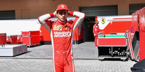 Red, Formula one, Sportswear, Jersey, Vehicle, Sports uniform,