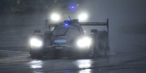 Vehicle, Atmospheric phenomenon, Police car, Car, Mode of transport, Snow, Police, Automotive lighting, Winter storm,