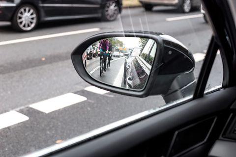 Land vehicle, Vehicle, Car, Mode of transport, Automotive exterior, Automotive design, Rear-view mirror, Automotive mirror, Vehicle door, Auto part,