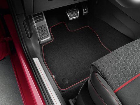 Vehicle, Car, Floor, Mat, Trunk, Automotive design, Center console, Flooring, Vehicle door, Family car,