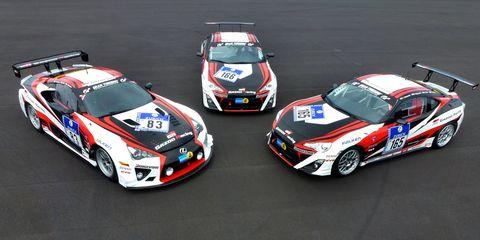Vehicle, Land vehicle, Motorsport, Car, Sports car racing, Sports car, Hood, Racing, Auto racing, Touring car racing,